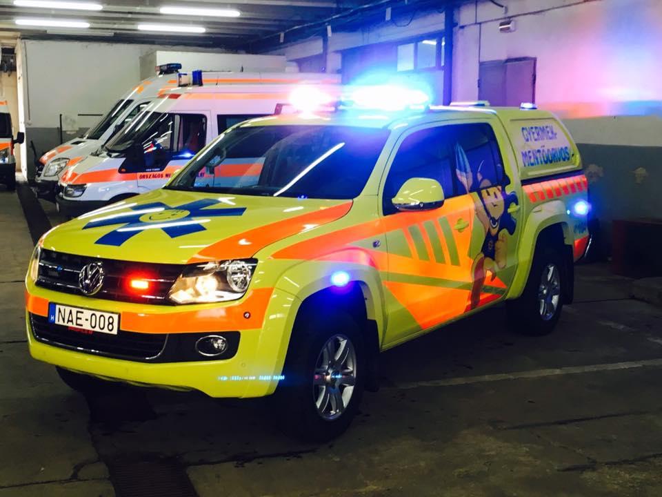Az új debreceni gyermek-mentőorvosi kocsi