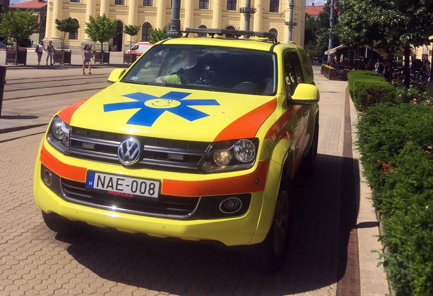 Gyermek-mentőorvosi kocsi Debrecenben